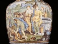 vaso con episodi della storia di mos castelli c. a. grue fine del xvii secolo - inizio del xviii secolo