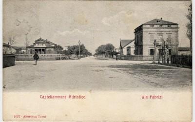 Castellammare Adriatico, Via Nicola Fabrizi dal Corso Umberto I, in fondo a sinistra Villa Urania
